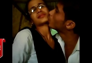 Tour kiss video by two lovers   whatsapp viral video   College lovers mms video