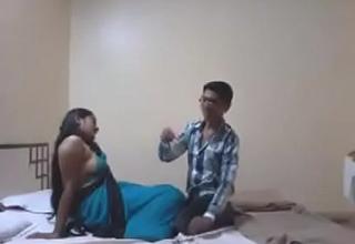 Indian Desi Girlfriend Enjoy Sex with Their way Boyfriend in Hotel