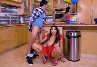 XXX Porn video - My Girlfriends Hot Mom - (Missy Martinez, Bambino)