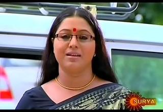 Mallu Serial Kick off b lure Lakshmi Priya Navel Through Saree