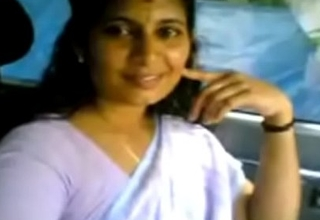 VID-20070525-PV0001-Kerala Kadakavur (IK) Malayalam 38 yrs old married housewife aunty showing her boobs to her illegal sweetheart in car sex porn videotape