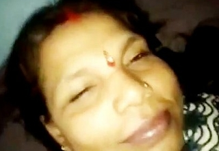 Local Indian randi aunty sexual connection with buyer