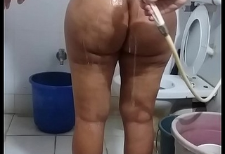 nude bath
