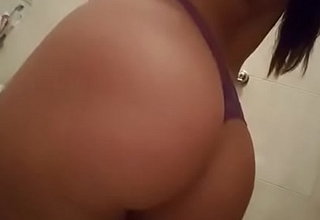 My Girlfriend Pissing For Me 1
