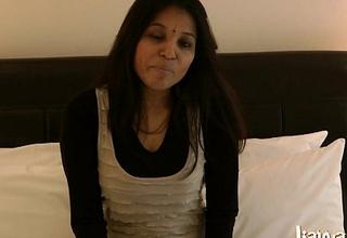 Indian Gujarati Mature Babe Kavya Sharma Chunky Tits Masturbation