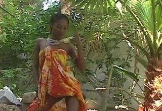 Stunning ebony pornstar India gets naked