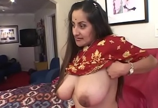 Guy puts his cock give indian girl'_s mouth while her twat gets eaten away from selection