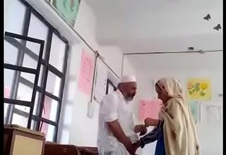 हेड मास्टर ने टीचर को चोदा