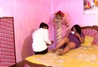 Hot Busty N Indian Aunty s Huge Boobs Nipple Boo-boo Porn